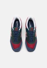 New Balance - Zapatillas - black/emerald - 3