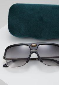 Gucci - Okulary przeciwsłoneczne - black - 2