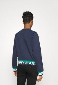 Tommy Jeans - BRANDED HEM - Sweatshirt - twilight navy - 2