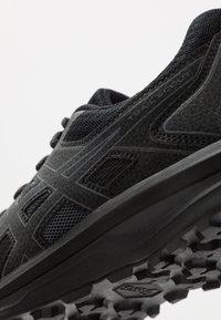 ASICS - SCOUT - Chaussures de running - black/carrier grey - 5