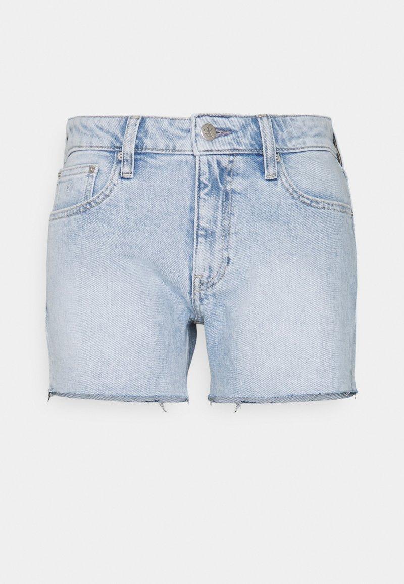 Calvin Klein Jeans - MID RISE - Denim shorts - denim light