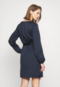 Vila - VILOPEZ BELT DRESS - Vestido informal - navy blazer - 2