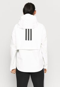 adidas Performance - MYSHELTER PAR - Chaqueta Hard shell - white