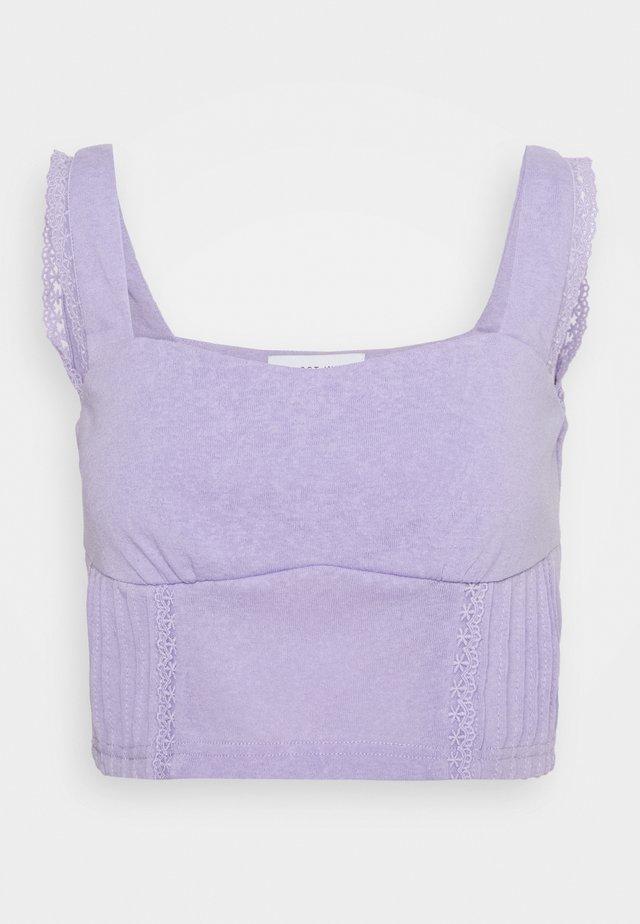 PINTUCK DETAIL CROP - Top - purple