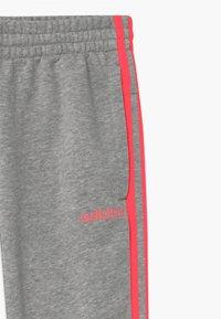 adidas Performance - UNISEX - Teplákové kalhoty - medium grey/signal pink - 2