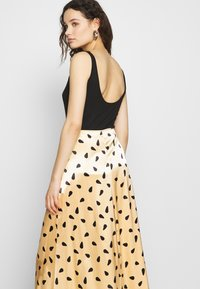 Gestuz - LUTILLEGZ SKIRT - A-line skjørt - yellow black dot - 3