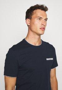 Pier One - Print T-shirt - dark blue - 3