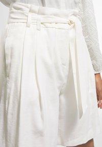 comma - Shorts - white - 3