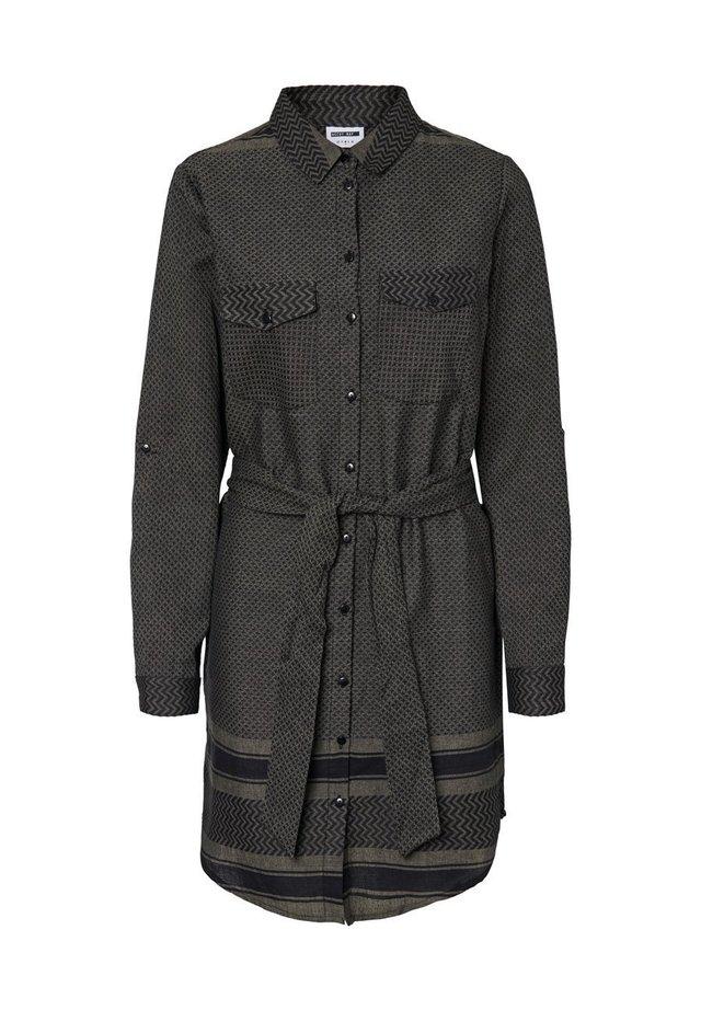 NOISY MAY BLUSENKLEID STEHKRAGEN - Robe chemise - ivy green