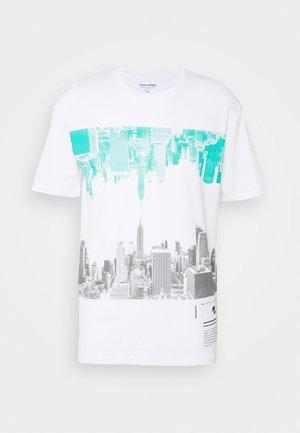 JORSKYLINE TEE CREW NECK - Camiseta estampada - white