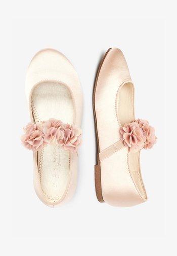 PINK 3D FLOWER BALLET SHOES (OLDER) - Ankle strap ballet pumps - pink