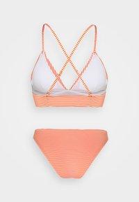 ONLY - ONLKITTY SET - Bikini - red clay/cloud dancer - 9