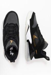Jordan - MARS 270  - Basketball shoes - black/metallic gold/dark smoke grey/white/pure platinum - 1