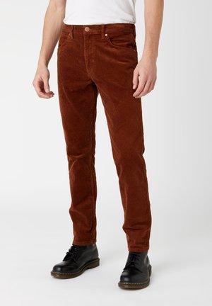GREENSBORO - Straight leg jeans - ginger