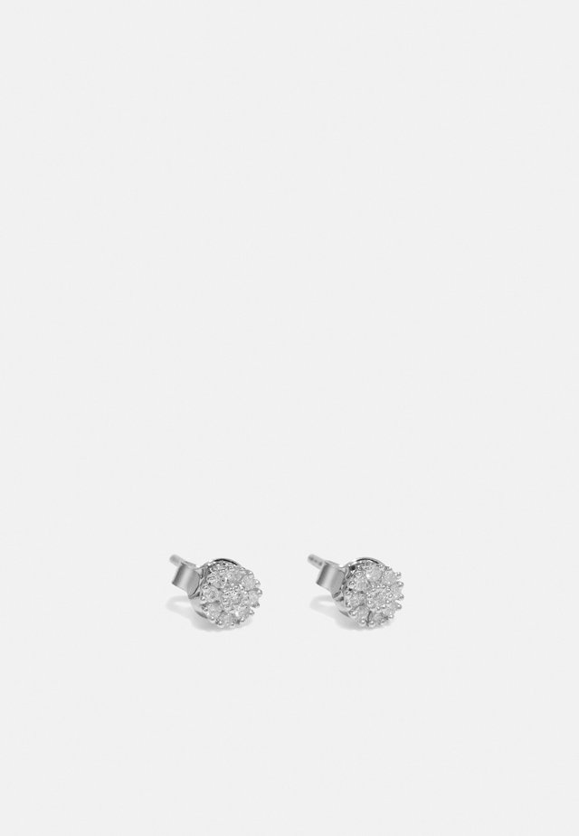 9KT WHITE GOLD 0.14CT CERTIFIED DIAMOND FASHION EARRINGS - Orecchini - silver-coloured