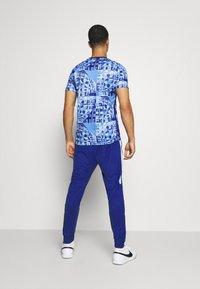 Nike Performance - DRY ACADEMY - Træningsbukser - deep royal blue/larmory blue/white - 2