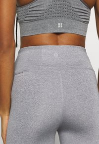 Cotton On Body - ACTIVE CORE CAPRI - 3/4 sports trousers - mid grey marle - 4