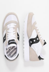 Saucony - JAZZ VINTAGE - Trainers - white/black - 3