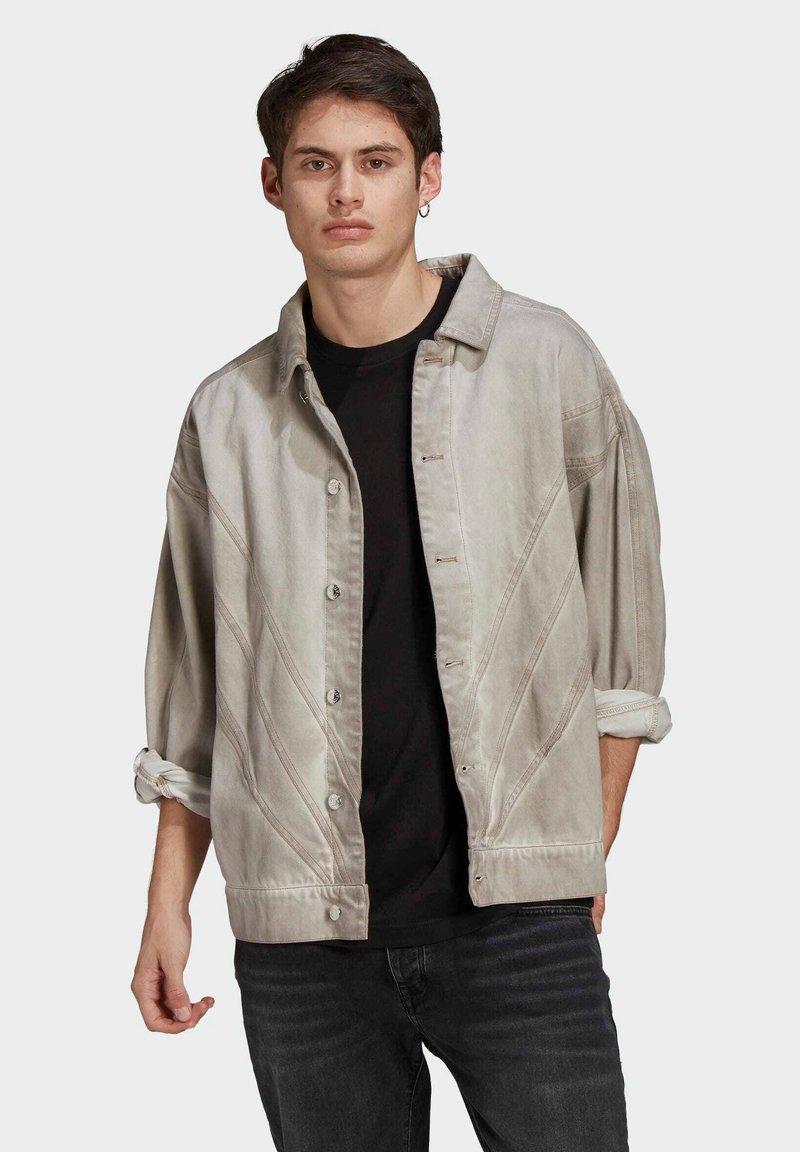 adidas Originals - R.Y.V. DENIM JACKET - Denim jacket - brown