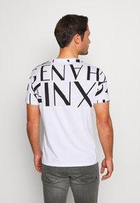 Armani Exchange - Print T-shirt - white/black - 2