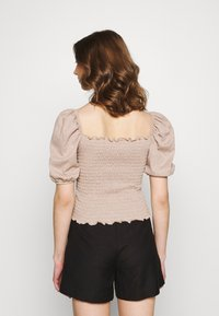ONLY - ONLNALENA PUFF SMOCK - Print T-shirt - almondine - 2