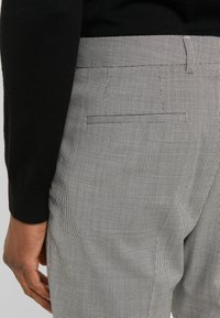 HUGO - FARLYS - Suit trousers - open grey - 3