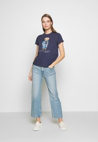 Polo Ralph Lauren - BEAR SHORT SLEEVE - T-shirt con stampa - classic royal - 1