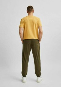 Selected Homme - Tracksuit bottoms - forest night - 2