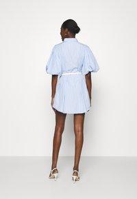 Mossman - THE CRYSTAL SEA DRESS - Košilové šaty - blue/white - 2