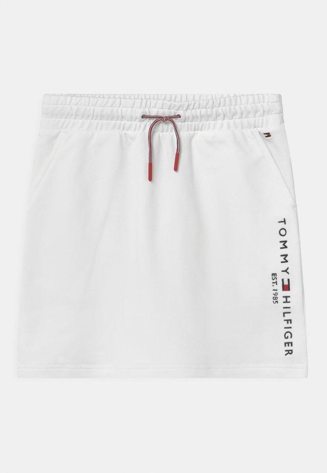 ESSENTIAL - Minifalda - white