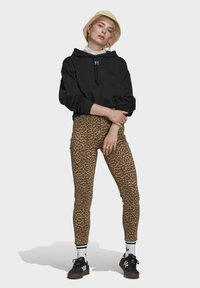 adidas Originals - HOODIE - Jersey con capucha - black - 1