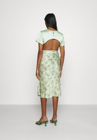 Never Fully Dressed - MARBLE PRINT SLIP SKIRT - Pencil skirt - green - 2