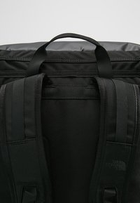 The North Face - BASE CAMP FUSE BOX UNISEX - Rucksack - black - 7