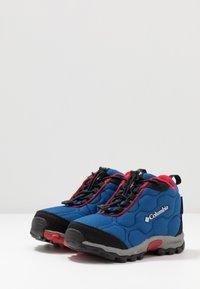 Columbia - FIRECAMPMID - Hiking shoes - royal/ rocket - 3