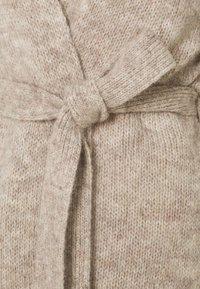 Selected Femme - SLFKISSI SLIT CARDIGAN - Cardigan - sandshell - 2
