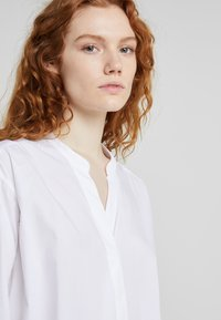 CLOSED - BLANCHE - Blouse - white - 4
