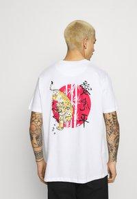Brave Soul - TOKYO - T-shirt imprimé - white - 0