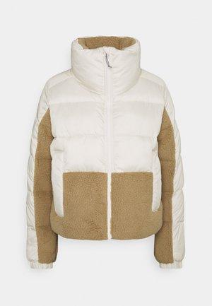 LEADBETTER POINT™ SHERPA HYBRID - Winter jacket - chalk/beach