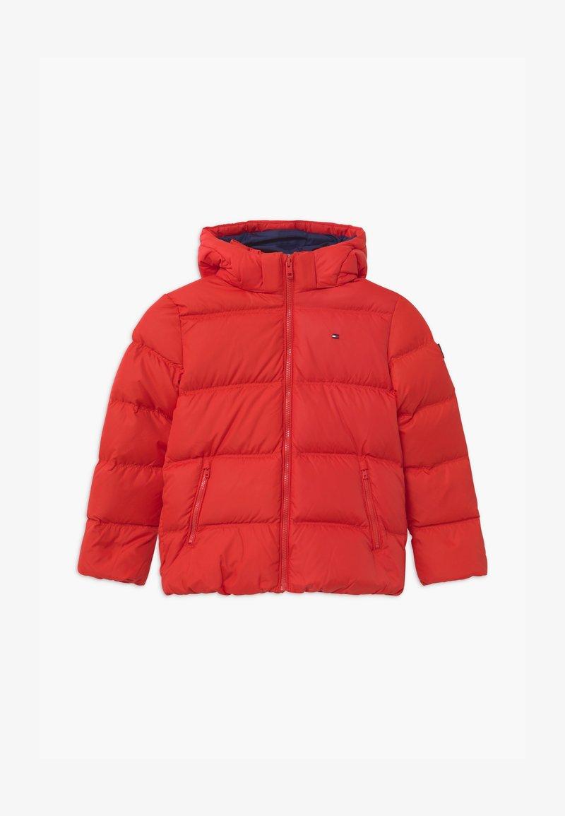 Tommy Hilfiger - ESSENTIAL  - Down jacket - red