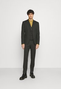 Isaac Dewhirst - SINGLE BREASTED SUIT - Kostym - green - 1