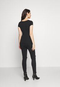Balloon - SHORT SLEEVES WITH RUCHED SIDE - T-shirt basic - black - 2