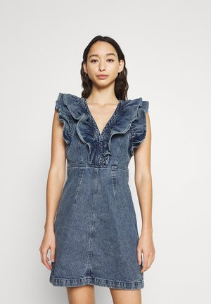 PCNAMIR RUFFLE DRESS - Spijkerjurk - medium blue denim