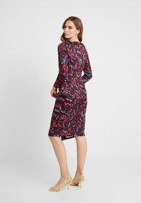 Closet - DRAPED FRONT WRAP DRESS - Shift dress - maroon - 3