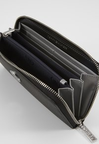 Tommy Hilfiger - CORE LARGE - Wallet - black - 5