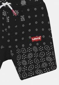 Levi's® - Shorts - black/white - 2