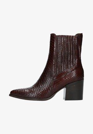 MIT SCHLANGENMUSTER - Classic ankle boots - braun