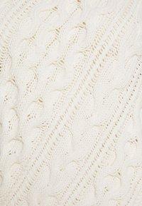 J.CREW - DIAGONAL CABLE RAGLAN - Sweter - ivory - 2