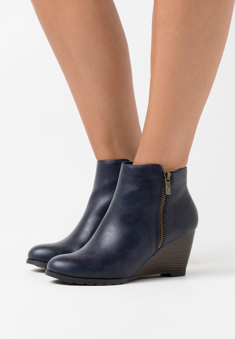 Wallis - ASTONISHING - Ankle boot - navy
