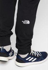 The North Face - PANT - Tracksuit bottoms - black/white - 4