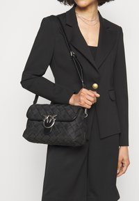 Pinko - LOVE CLASSIC - Across body bag - black - 0